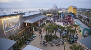 These 8 Beachfront Restaurants In Alabama Are Out Of This World