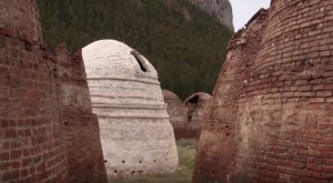 You Won't Believe These Otherworldly Structures In Montana Are Over 100-Years-Old