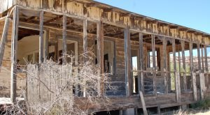 Nature Is Reclaiming This Abandoned Ranch In Arizona And It's Actually Amazing