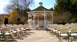 10 Epic Spots To Get Married In Connecticut That'll Blow Guests Away