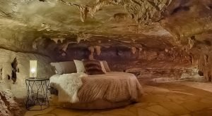 We Dare You To Stay In This Arkansas Cave And Not Absolutely Love It