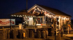These 11 Beachfront Restaurants In Maine Are Out Of This World