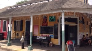 9 Mom & Pop Restaurants in New Orleans That Serve Home Cooked Meals To Die For