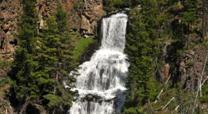 9 Unbelievable Wyoming Waterfalls Hiding In Plain Sight… No Hiking Required