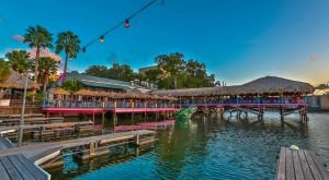 10 Incredible Waterfront Restaurants Everyone In Austin Must Visit