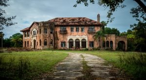 What This Drone Footage Captured At This Abandoned Florida Mansion Is Truly Grim