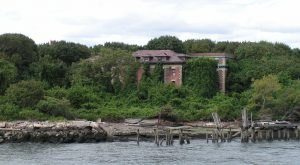 This Island In New York Has A Dark And Evil History That Will Never Be Forgotten