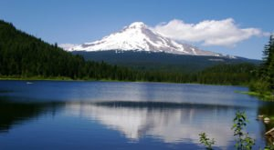 8 Gorgeous Lakes To Visit Around Portland This Summer