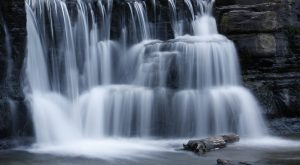 7 Unbelievable Arkansas Waterfalls Hiding In Plain Sight… No Hiking Required
