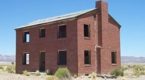 The Remnants Of This Abandoned Town In Nevada Are Incredibly Eerie
