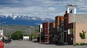 Most People Don't Know These Small Towns In Montana Have AMAZING Restaurants