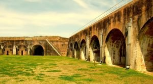 The Remnants Of This Historic Fortress In Alabama Are Hauntingly Beautiful