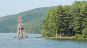 Most People Have No Idea This Stunning Castle In New York Even Exists