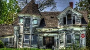 These 11 Unique Houses In Maine Will Make You Look Twice…And Want To Go In