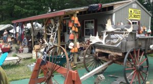 8 Must-Visit Flea Markets In Maine Where You'll Find Awesome Stuff