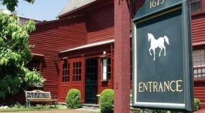 Rhode Island Is Home To The Oldest Tavern In the Country And You'll Want To Visit