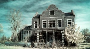 The Stories Behind These 5 Haunted Hospitals In The U.S. Are Undeniably Creepy