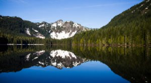 These 9 Crystal Clear Alpine Lakes In Oregon Are Absolutely Magical