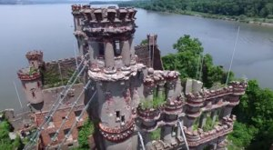 This Abandoned Island Castle In New York Is Home To An Eerie Murder Mystery
