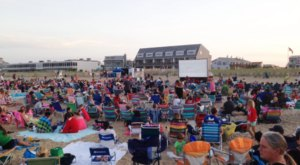 3 Places In Delaware Where You Can Still Catch A Movie On The Beach