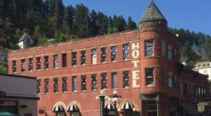 You'll Never Forget Your Visit To The Most Haunted Restaurant In South Dakota