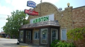 Here Are 10 Mouthwatering And Historic Route 66 Restaurants You'll Only Find In Illinois
