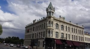 You Probably Won't Get Much Sleep At This Haunted Oregon Hotel