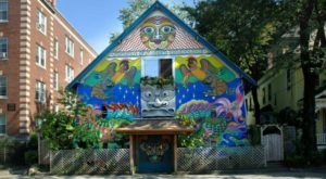 This Bizarre House In Massachusetts Has An Unexpected History