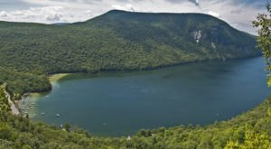 The Breathtaking Lake Everyone In Vermont Will Fall In Love With At First Sight