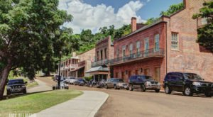 This Historic District In Mississippi Has A Creepy Past
