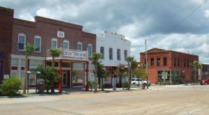 The Friendliest Small Town In Florida Where Everyone Knows Your Name