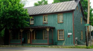 The Spooky Ghost Story Behind This Tiny Town In West Virginia Will Give You Chills