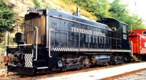 Take This Fall Foliage Train Ride Through Nashville For A One-Of-A-Kind Experience