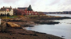 You Need To Visit New Hampshire's Smallest Town, Made Entirely of Islands