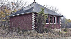 Step Inside The Creepy, Abandoned Town Of Dunlap In Kansas