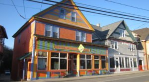 Step Inside The Quaint New York Town With Only One Traffic Light