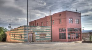 This Spooky Small Town In Arizona Could Be Right Out Of A Horror Movie