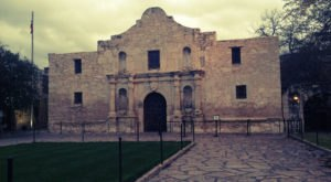 The Stories Behind The Most Haunted Landmark In Texas Are Beyond Creepy