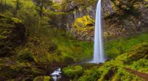 These 10 Waterfall Hikes Will Show You The Best Of Oregon's Beauty