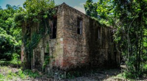 This Spooky Small Town In Mississippi Could Be Right Out Of A Horror Movie