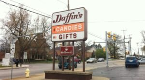 A Giant Store In Pennsylvania, Daffin's Candies Will Take You Right Back To Childhood