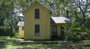 This Spooky Small Town In Florida Could Be Right Out Of A Horror Movie