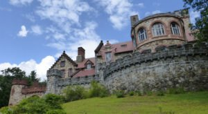 Entering This Hidden New Hampshire Castle Will Make You Feel Like You're In A Fairy Tale