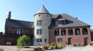 Entering This Hidden Missouri Castle Will Make You Feel Like You're In A Fairy Tale