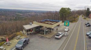 This Restaurant In Alabama Used To Be A Gas Station, And You'll Want To Visit
