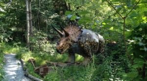 Backyard Terror's Dinosaur Park In Tennessee Is A Total Hidden Gem