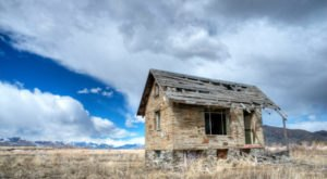 Step Inside The Creepy, Abandoned Town Of Atomic City In Idaho
