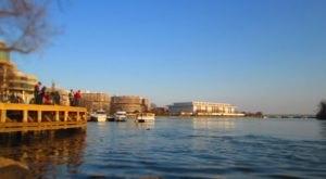 10 Incredible Waterfront Restaurants Everyone In Washington DC Must Visit