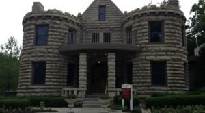 Entering This Hidden Kansas Castle Will Make You Feel Like You're In A Fairy Tale