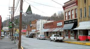 Step Inside The Quaint West Virginia Town With Only One Traffic Light